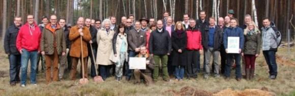 Nachhaltigkeit braucht Initiative: Veranstalter und Teilnehmer pflanzten seltene Obstbaumsorten © Piepenbrock